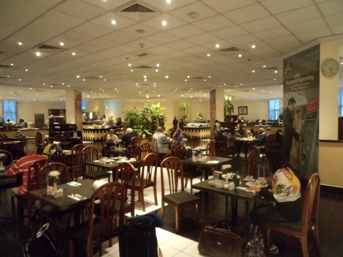 Caf Ef Bf Bd Hotel Restaurant  Rue Des Moulins Reims