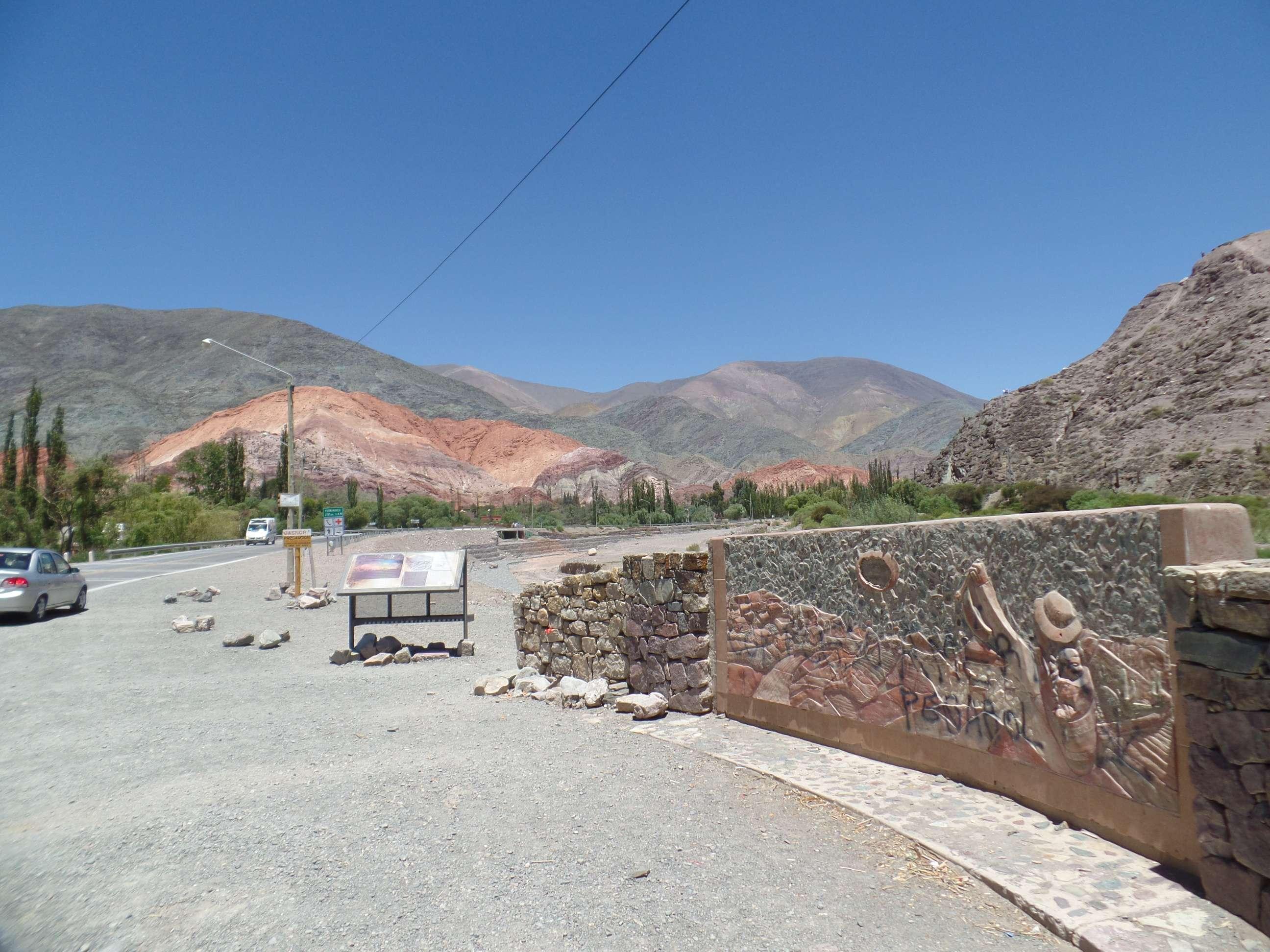 Cerro de 7 Colores em Pumamarca, próximo a Tílcara, Norte da Argentina