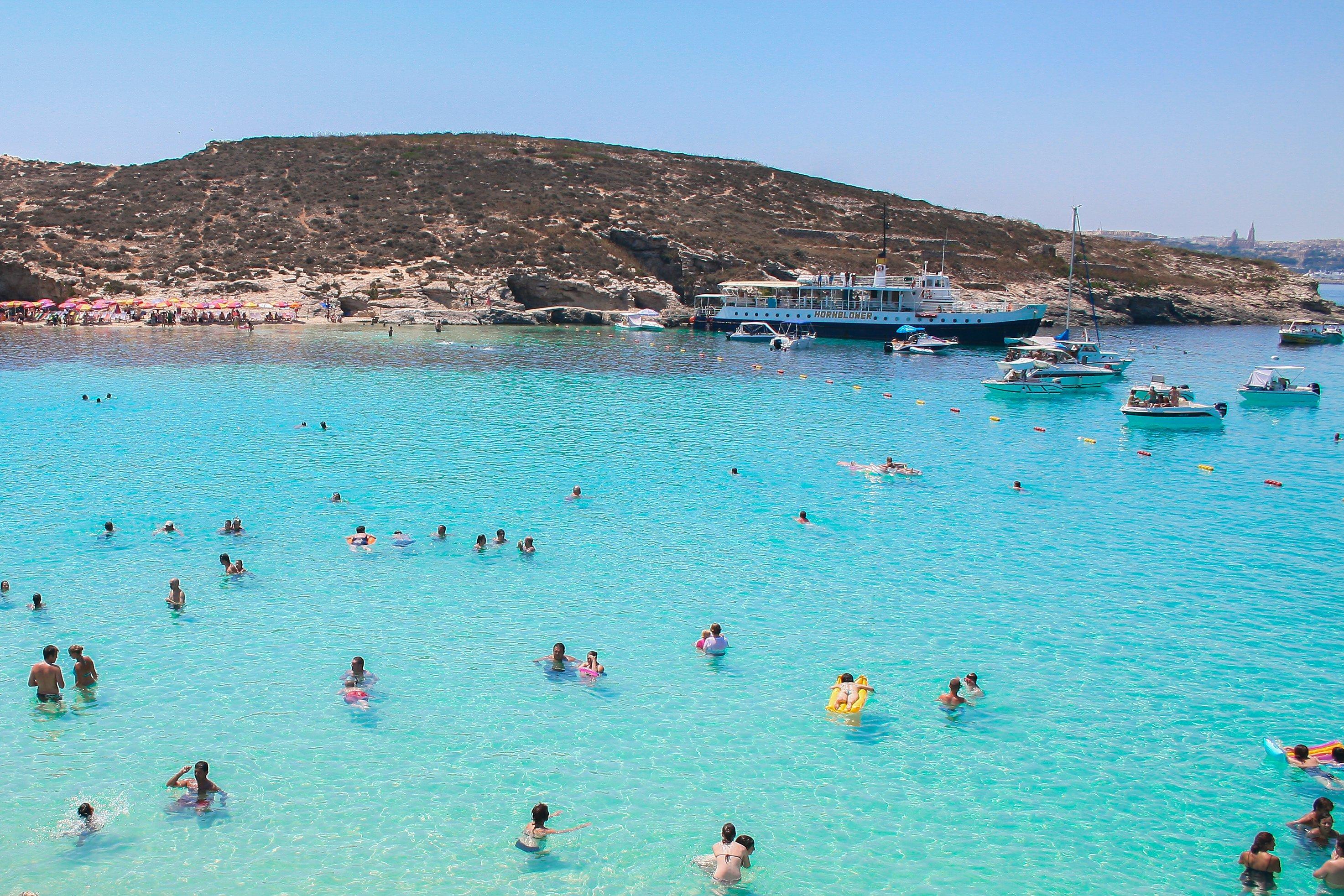 Praia em Malta, fonte - pexels
